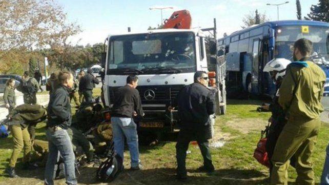 Cuatro muertos en un ataque con un camión en Jerusalén