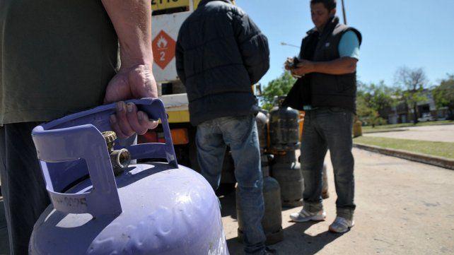 Durante enero, continúa la venta de garrafas de gas a precio diferencial