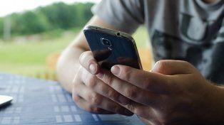 Las compañías de celulares aplicarán una suba promedio del 12 por ciento