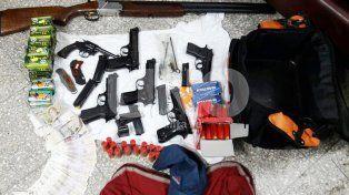 Cayó un ladrón que asaltó una armería y robó todo un arsenal de armas y balas