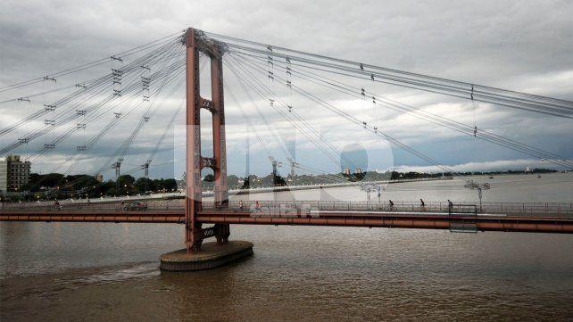 Por obras cortan el tránsito en el Puente Colgante