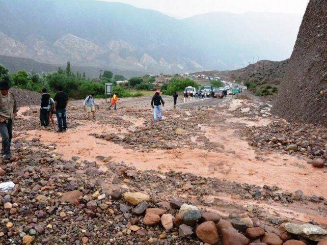 Dos personas murieron en Jujuy por el temporal que afectó al norte argentino