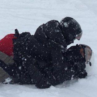 la pareja del momento a los mimos en la nieve