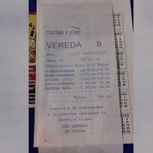 Otra vez un ticket se viraliza por escrachar abusos: les cobraron hasta el pan