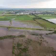 Campos inundados. Imágenes aéreas del departamento Castellanos, localidad de Ramona.