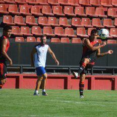 Torres y Poblete volvieron a jugar en sus puestos originales en el primer amistoso del año ante el Gato