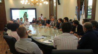 Intendentes de Santa Fe y Córdoba pidieron a la Nación que interceda ante las provincias por un plan maestro hídrico