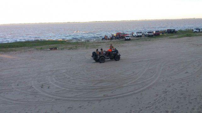 Entre todos, buscan limpiar Playa Norte