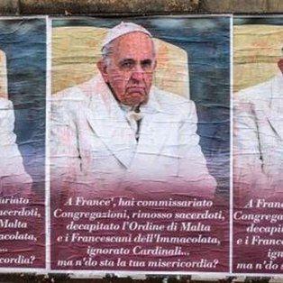 roma amanecio empapelada con afiches anti-francisco