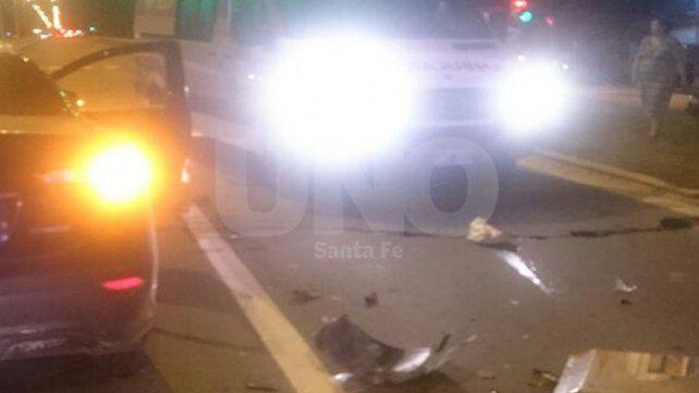 Violento choque con dos adolescentes heridos en avenida 27 de Febrero y Tucumán