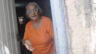 Genoveva, la abuela pistolera, mandó a pedir otra arma