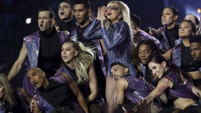 Impactante show de Lady Gaga en la final del Super Bowl