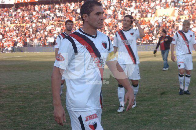 El Bichi Fuertes vuelve al fútbol: a los 44 años, firmó con un club mendocino