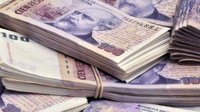 Hallaron 2,5 millones de pesos en billetes triturados en la basura