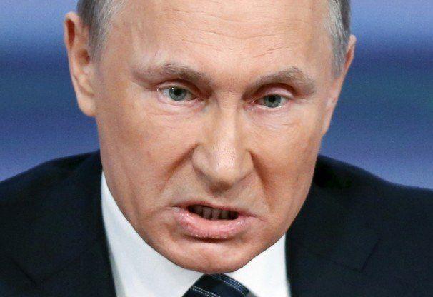 Putin promulgó una ley que despenaliza la violencia de género