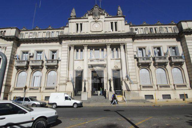 Dos policías de la Unidad Regional I fueron procesados por venta de drogas