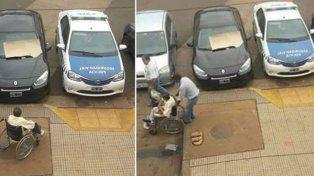 El director de Seguridad Vial de Misiones estacionó sobre una rampa para discapacitados