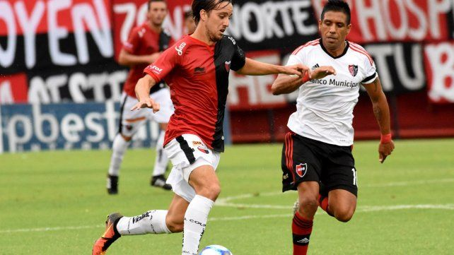 Domínguez resaltó la tarea de Bernardi por la banda derecha.