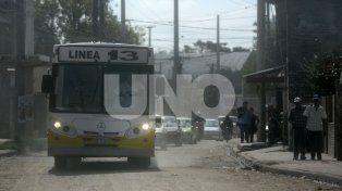 Alto Verde: un balazo impactó en  un colectivo y hubo heridos leves