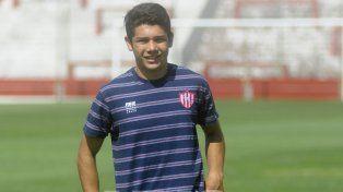 Diego Esquivel es enganche y jugará en 7ª de AFA.