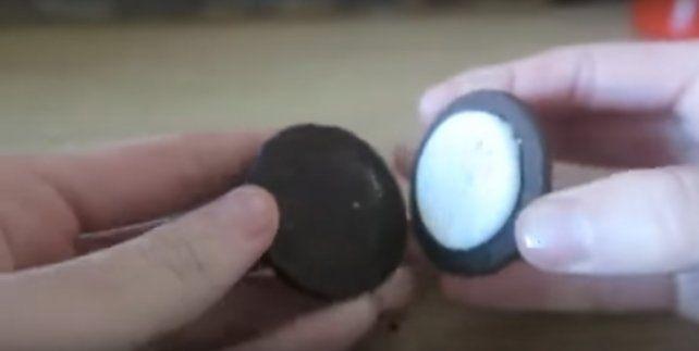 Imputaron a un youtuber que le dio de comer galletas con dentífrico a un indigente