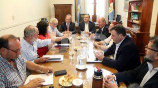 El gobierno recibió a representantes de los gremios estatales en la primera reunión paritaria del año