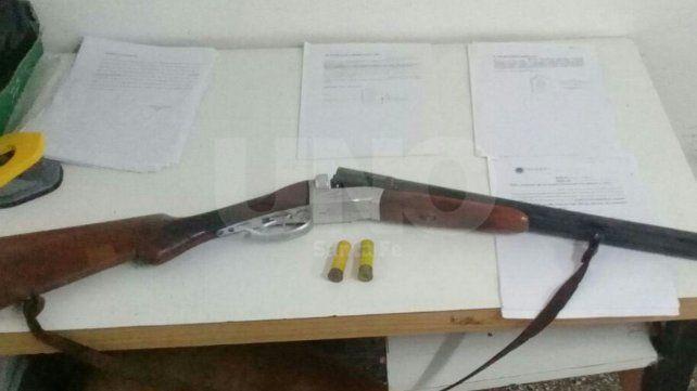 Un ladrón fingió un robo mientras otro se tiroteó con la policía pero igual terminaron presos