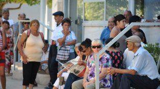 Por un decreto de Macri, reducen el aumento de las jubilaciones