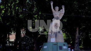 Resistencia. Hubo muchos proyectos para homenajearlo y restaurar sus estatuas pero ninguno prosperó. Hoy sólo queda en pie la obra en la Costanera.