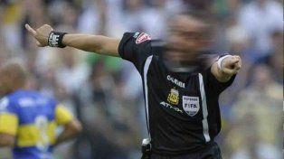 Árbitro de fútbol admite su adicción a las drogas