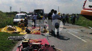 Doce muertos y seis  heridos graves en un choque frontal entre dos ómnibus en el sur provincial