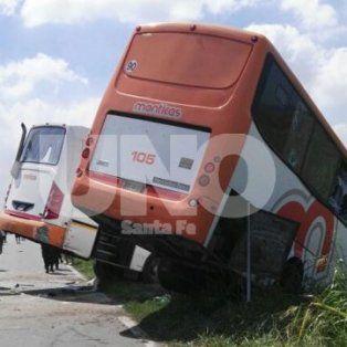 el gobierno provincial dispuso un dia de duelo por el accidente en la ruta nacional 33