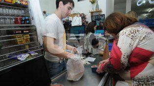 Restricción. Desde el 1 de marzo los negocios dejarán de entregar bolsas plásticas al público.