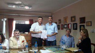 Dos comunas  firmaron un convenio de cooperación