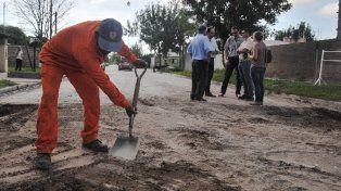 Licitan obras de pavimentación para Chalet