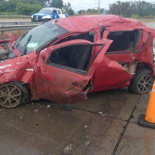 una mujer accidentada por un vuelco en avenida circunvalacion
