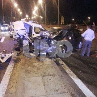 Chocaron siete vehículos en el viaducto Oroño y una mujer resultó lesionada