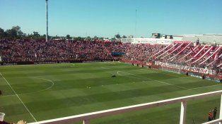 De la cabeza: Colón le ganó 2 a 0 a Unión con goles de Ortiz y Garnier