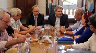 la provincia posterga el encuentro con trabajadores estatales y docentes