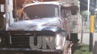 Santa Fe: cayó preso un hombre que quemó un camión cargado con ladrillos