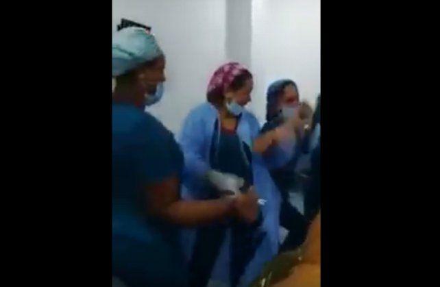 Polémica En Colombia Enfermeras Bailan En Un Quirófano Junto A Una