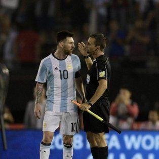 Un alivio. La FIFA le reduciría la pena a Messi, quien solo debería cumplir dos fechas de suspensión.