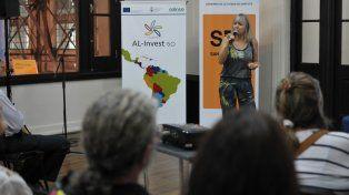 Presentación.Diseñadores, artesanos y artistas locales vinculados a emprendimientos con bases creativas colmaron dos de las salas del Centro de Convenciones Estación Belgrano.