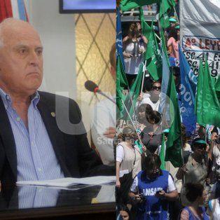 la provincia descontara a los docentes los dias de huelga por el conflicto salarial