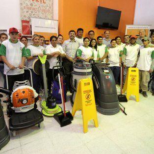entregan equipamiento por medio millon de pesos a una cooperativa santafesina