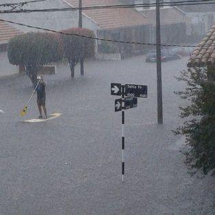 mar del plata: cayeron 100 mm en pocas horas y hay mas de 100 evacuados