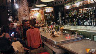 Piden que los bares santafesinos incorporen mesas accesibles