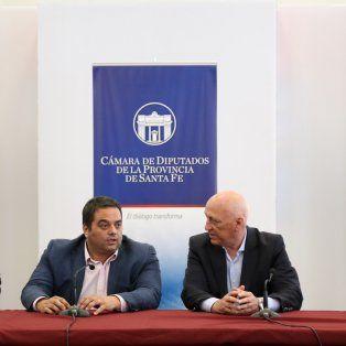 En Rosario. Triaca junto a Bonfatti, Rubeo y Contigiani. Los dirigentes provinciales manifestaron su preocupación por el futuro de la cooperativa láctea.
