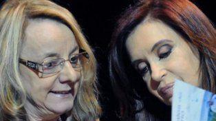 Alicia Kirchner acusó a Cambiemos y a los docentes del ataque planificado anoche en su casa