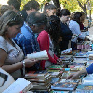los amantes de la lectura se vuelcan a las ferias de libros usados
